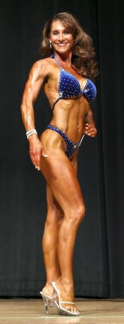 Julie Lohre FITBODY Profile Nadine Bye