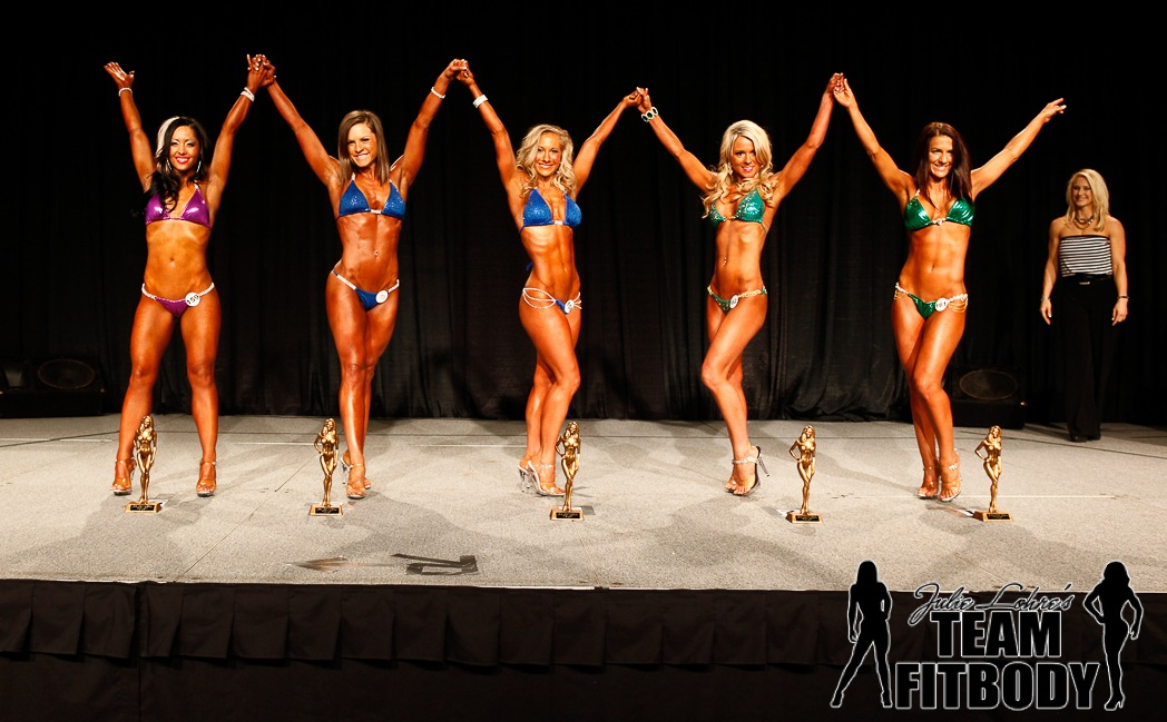 Bikini-Posing-Julie-Lohre-Kalyn-Friddle-awards