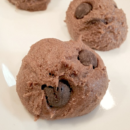 Double Chocolate Chip Cookie Dough Protein Truffles